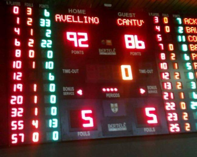 Ragland e Logan si sbarazzano di Cantù. 92 a 86 e Avellino riscatta la sconfitta dell'andata